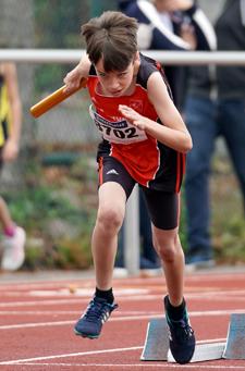 Alessio Staffellauf Kinderleichtathletik